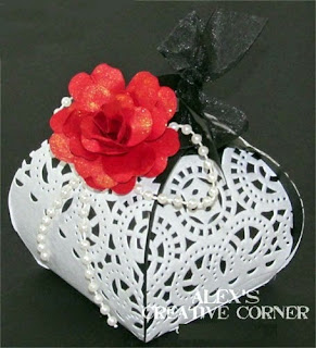 DIY Delicate Boxes Decoration for your Wedding Souvenirs.