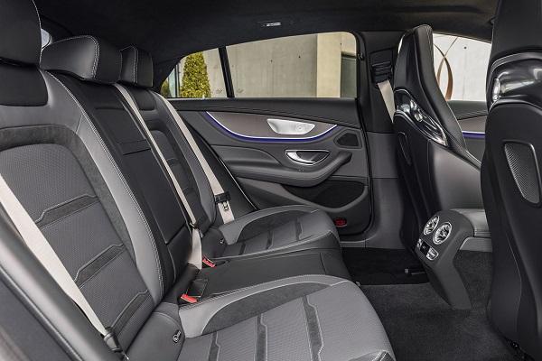 Interior Mercedes-AMG GT cuatro puertas