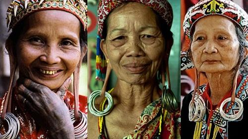 pakaian adat kalimantan timur gambar keunikan dan penjelasannya rh budayanusantara web id