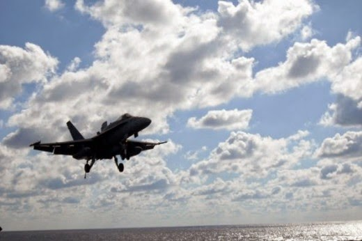 Controlled Crash Landing of F/A-18 Tailhook