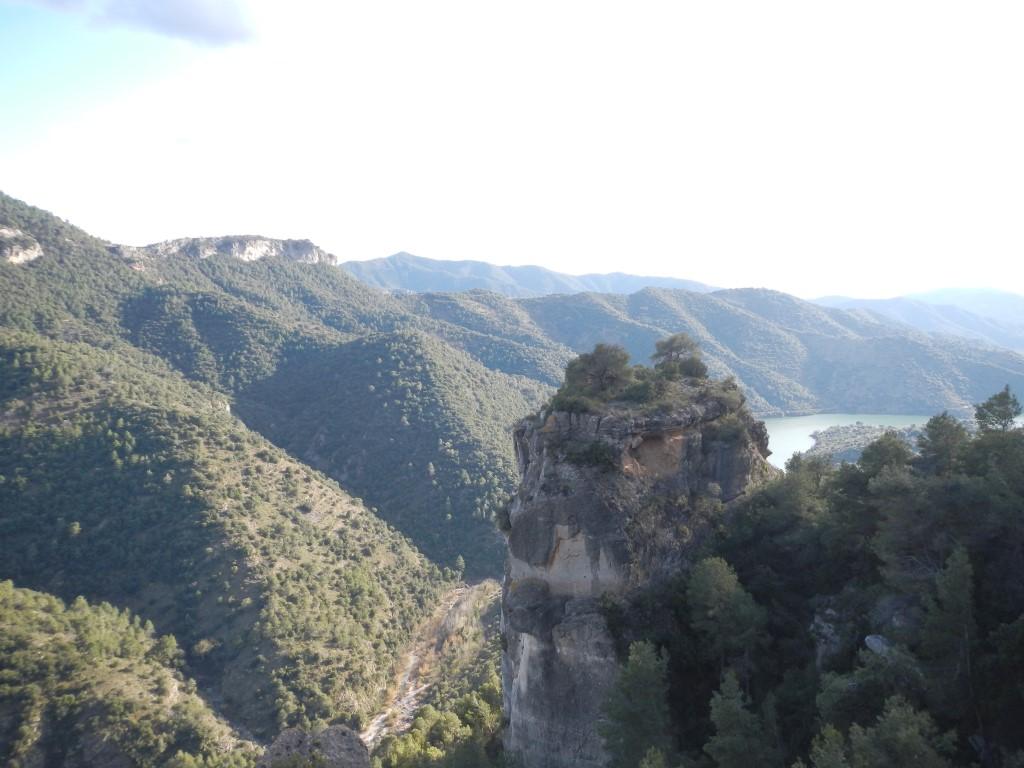 Roca dels Fadrins