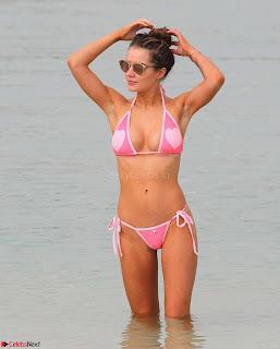 Helen-Flanagan-in-Bikini-3+SexyCelebs.in+Bikini.jpg