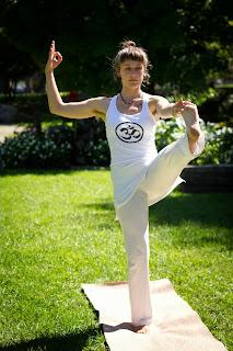 happy prana yoga  solar plexus techniques for 3rd chakra