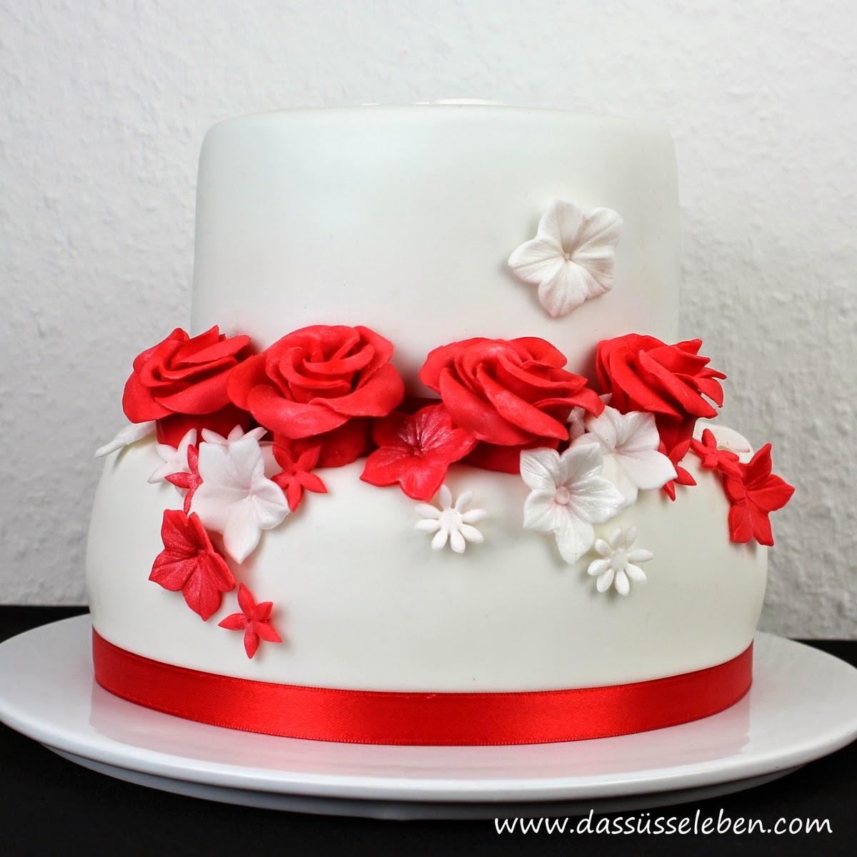 Rezept Rote Hochzeitstorte Mit Rosen Das Susse Leben