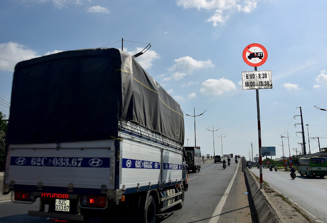 Biển báo cấm xe tải TP