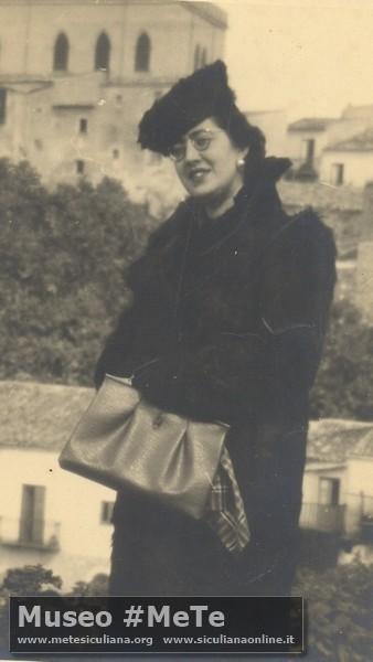 Maria Cristina Corrier in Basile