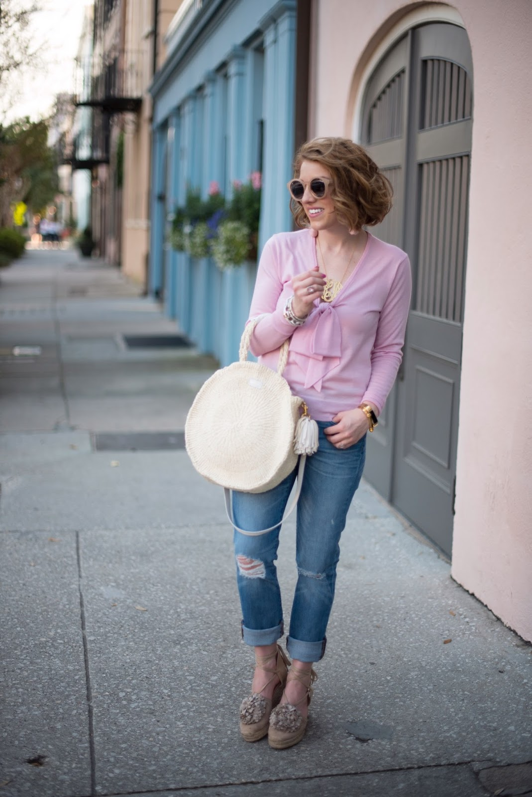 How to style boyfriend jeans - click through to see more on Something Delightful Blog!