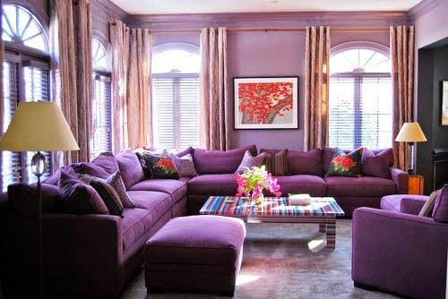 28 Contoh Desain Ruang Tamu Modern Dengan Warna Ungu