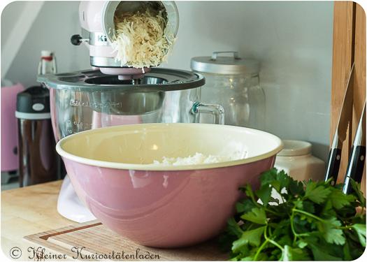 Suppengemüse im Gemüseraspler