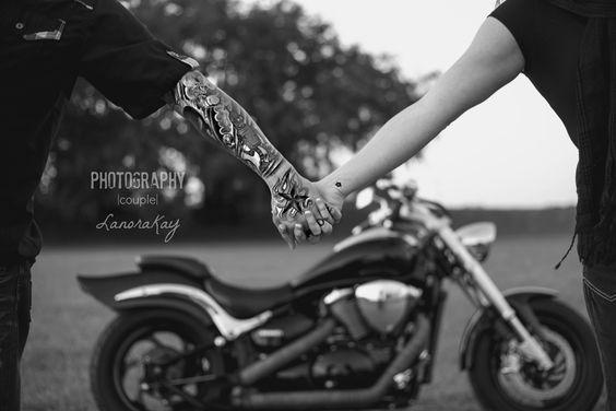 casal na moto