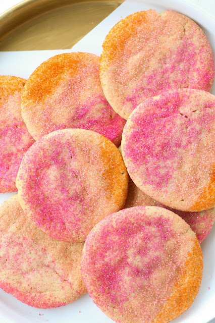 http://kailochic.blogspot.com/2015/05/bake-it-ombre-sugar-cookies.html