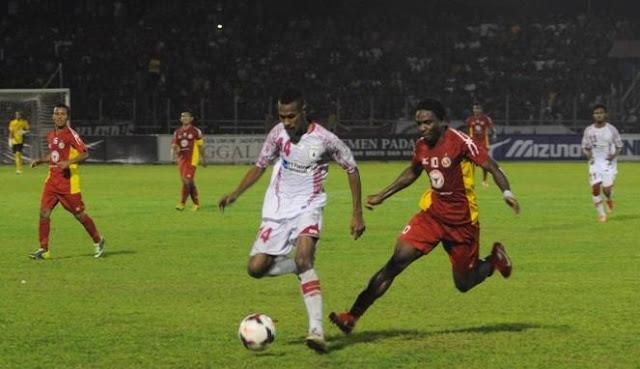 Semen Padang vs Persipura