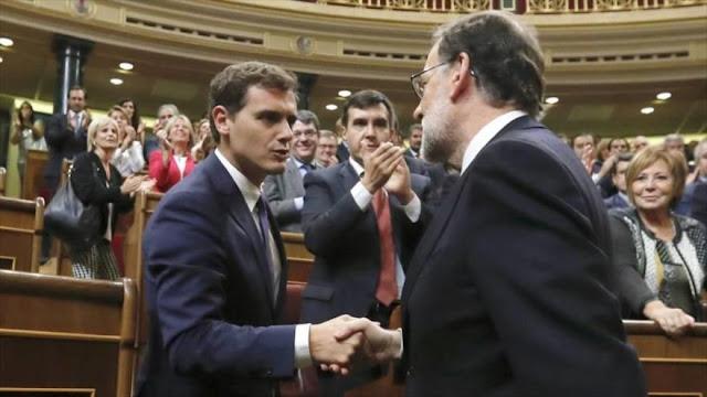 Rivera acusa a Rajoy de tapar la corrupción y apoyar a corruptos