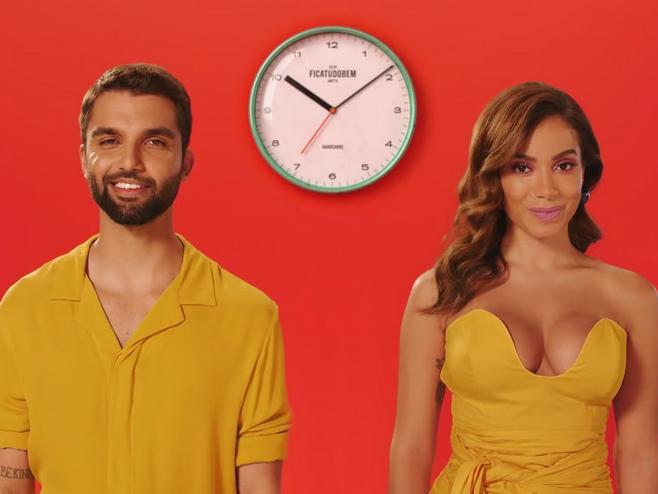 SILVA e Anitta celebram o amor em cores e minimalismo no clipe de 'Fica Tudo Bem'