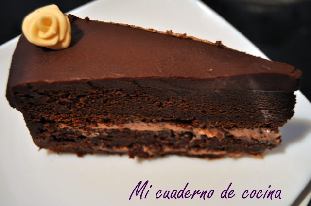 chocolate layer cake con crema de queso y nutella