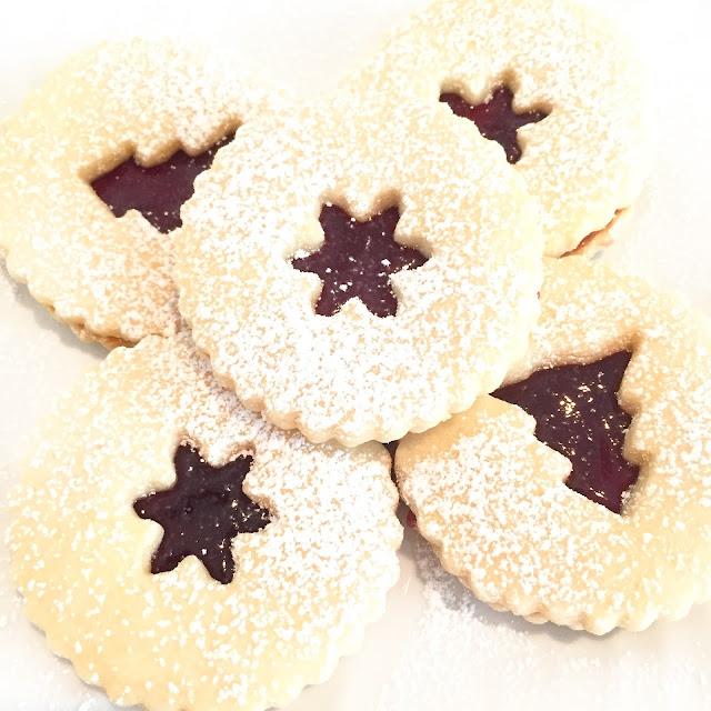 Linzer Cookies 25 Sweetpeas