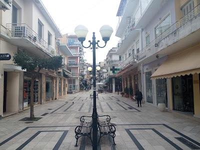 Παίζει με τη λογική μας ο Δήμος Ηγουμενίτσας, με τον φωτισμό στον πεζόδρομο!!!