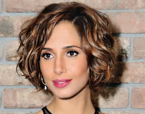 50 Pretty Short Wavy Hairstyles For Women