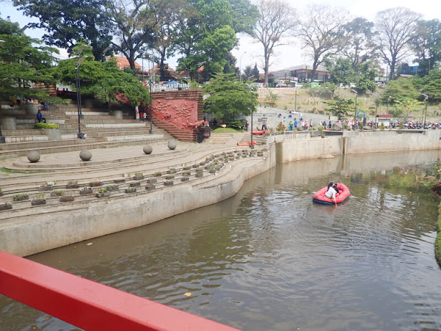 Teras Cikapundung, Bandung - Setengah Hari Mengelilingi 5 Taman di Bandung Dengan Berjalan Kaki