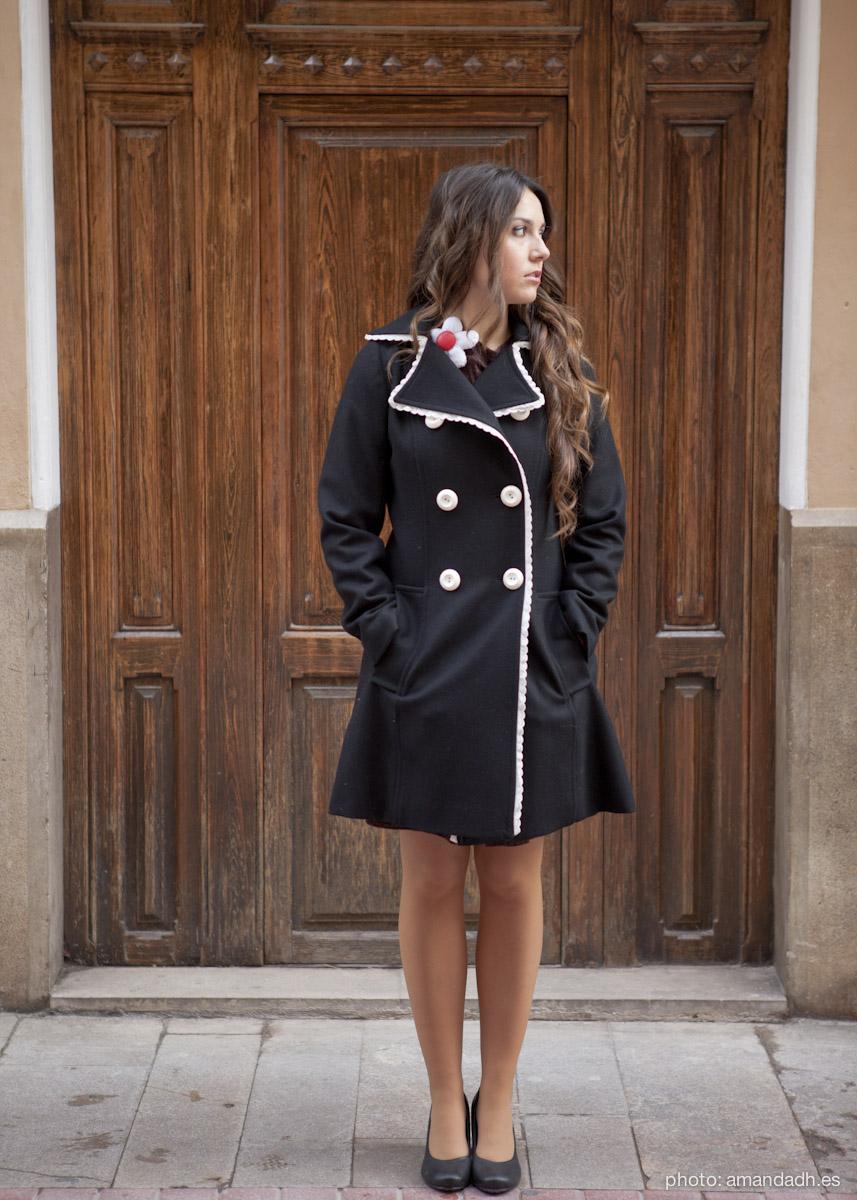Black wool coat - Senorita Martita FALL-WINTER street style by Amanda Dreamhunter - made in Spain