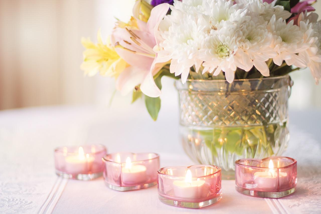 Co na ślub zamiast kwiatów? | 5 uniwersalnych pomysłów na prezent dla młodej pary