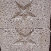 Block macizo para contención con Estrella con relieve