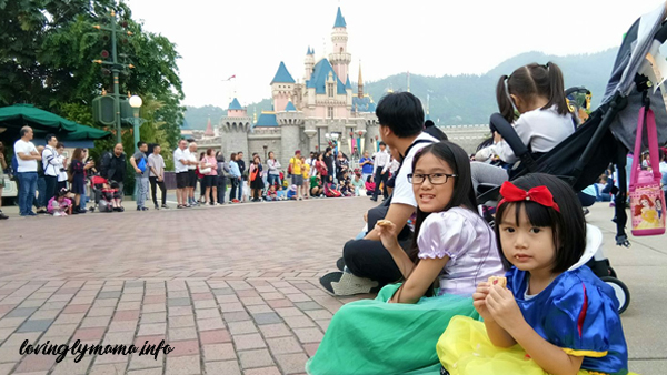 Hong Kong Disneyland parade - Hong Kong Disneyland magic