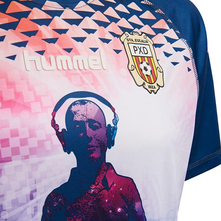 2f47deb779 Hummel lança a terceira camisa do Peña Deportiva Ibiza - Show de Camisas