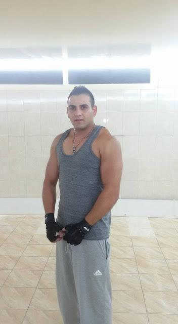 Lebanese Topless 60