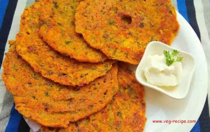 Onion Thalipeeth | Kandache Thalipeeth Recipe