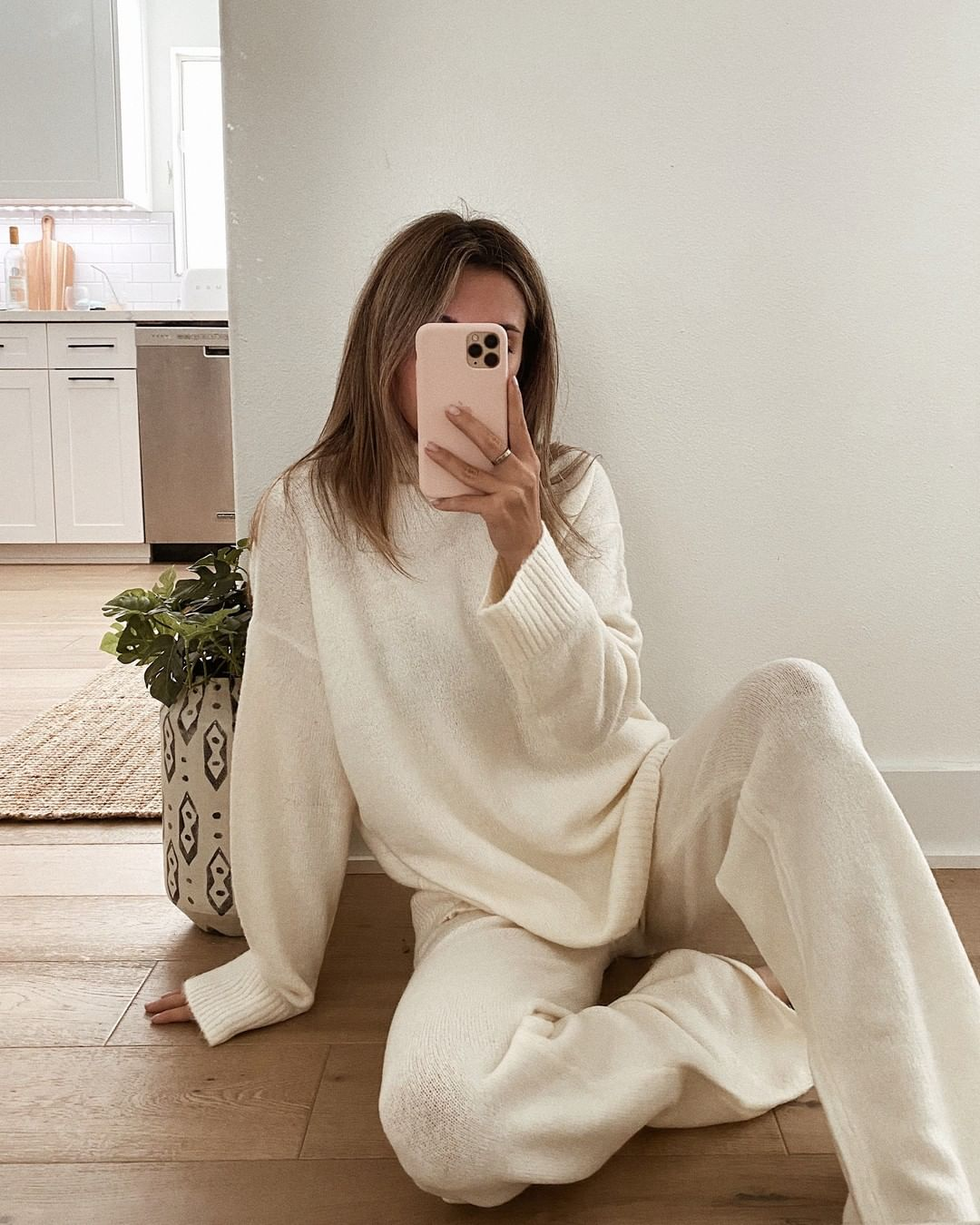 Cool Loungewear Sets for Staying or Working at Home — Tara Michelle Instagram Outift Inspiration
