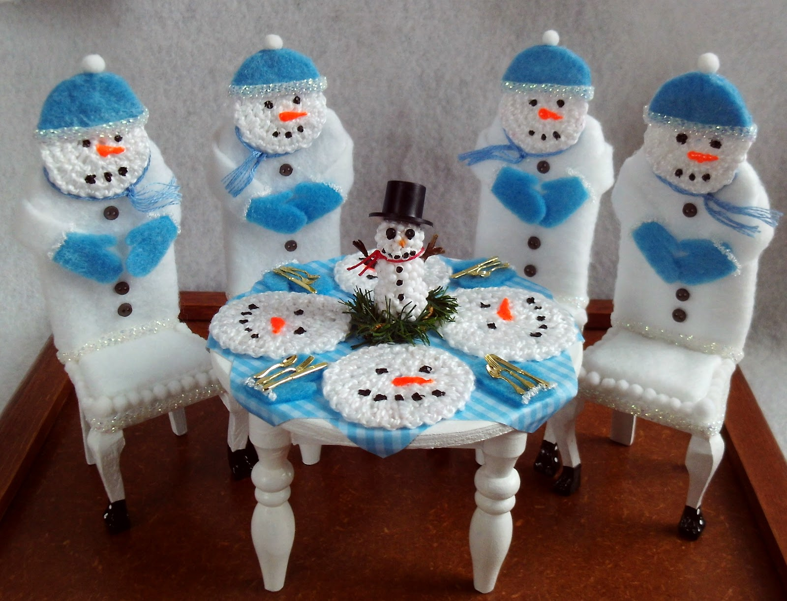 Snow Men Table And Chairs Remake From Dollar Tree Furniture Felt Paint