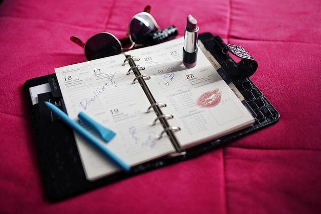 Crea tu propio Calendario dia a dia en 4 medidas.Construye un Dietario
