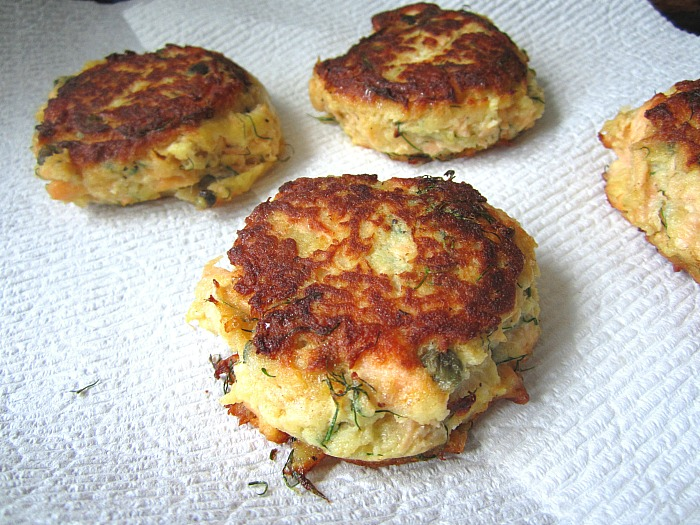 how to make fish cakes with leftover fish