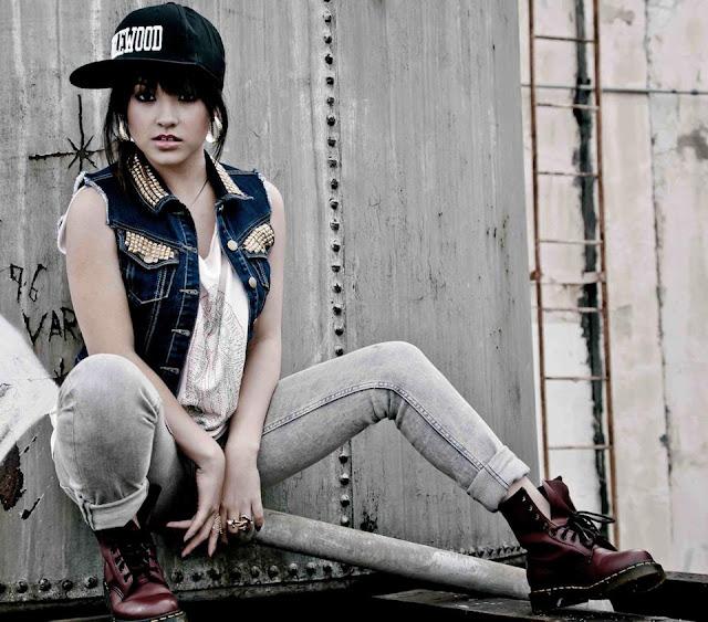 Latest Fashion: Hip-Hop Girls Fashion Style