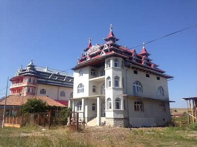 Pałace cygańskie Rumunia