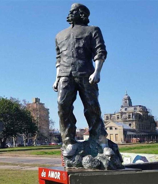 """Estátua do """"Che"""" repudiada na sua cidade natal"""