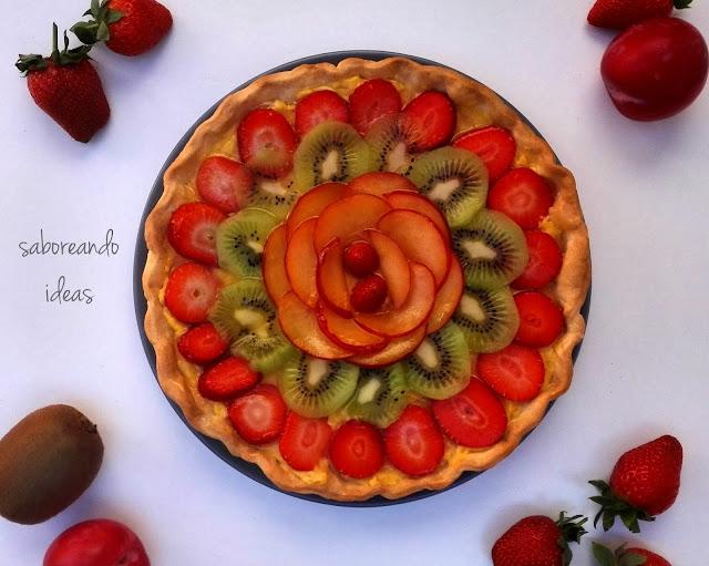 Tarta-de-frutas-frescas-y-crema