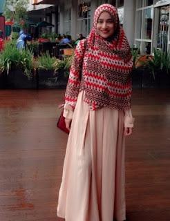 9 Artis Indonesia Lebih Terkenal Dengan Penampilan Syar'i Tetap Cantik