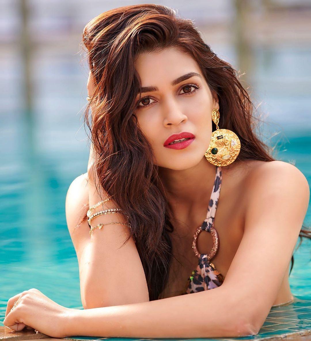 Bollywood Actress Kriti Sanon TOP 20 Instagram Photos Download - Celebrity Photos