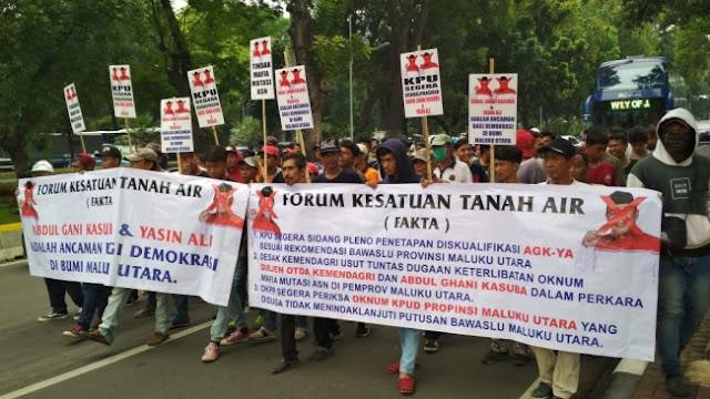 Fakta Tuntut MK dan KPU Diskualifikasi Paslon Incumbent