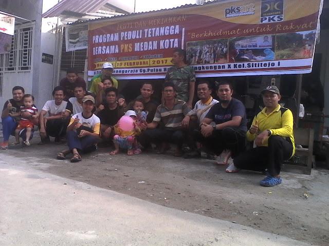 Peduli Tetangga, PKS Medan Kota Gotong Royong Bersama Warga