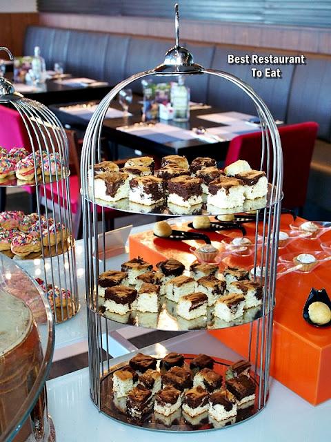 Weekend Hi-Tea RM42.00 - Cakes