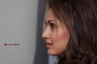 Bollywood Actress Manjari Phadnis Stills in Ripped Jeans at Film Jeena Isi Ka Naam Hai Interview  0018.jpg