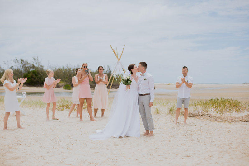 intimate noosa elopement