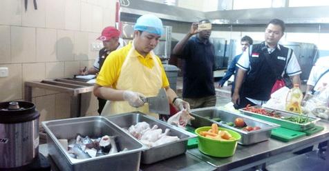 Muncul Perdebatan Sengit Gara-gara Masalah 'Kupas Telur' Untuk Makan Jamaah Haji di Makkah