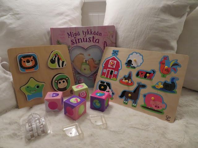 vauvan lelut kulmasuojat pistorasiasuojat kirja palapelit palikat