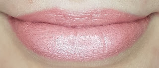 Avon mark. Epic Lip Lipstick in Wink of Pink