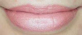 Avon mark. Epic Lip Lipstick in Wink of Pink