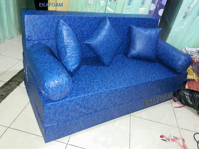 Sofa bed inoac sarung tahan air
